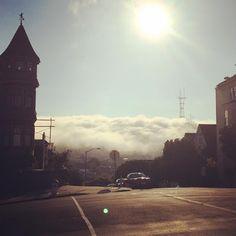 Karl the Fog rolls into Noe Valley (image by satususanne, via http://noevalleysf.blogspot.com)
