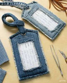 DIY Luggage Tags Made From Jeans Got spring break getaway plans? Give your luggage an update with some upcycled denim luggage tags! Sewing Patterns Free, Free Sewing, Bag Patterns, Sewing Diy, Sewing Ideas, Free Pattern, Spring Break, Denim Scraps, Jean Crafts