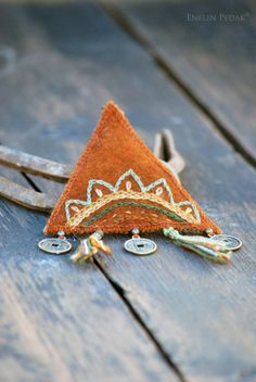Textile keychain with embroidery and bronze by EnelinPedak