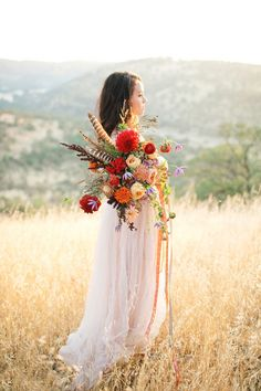 Bridal bouquet - LOVE the feathers! Bridal Bouquet Fall, Fall Bouquets, Fall Wedding Bouquets, Fall Wedding Flowers, Wedding Colors, Bridal Bouquets, Diy Your Wedding, Boho Wedding, Floral Wedding