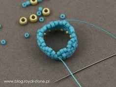 Margaretta - wisior z koralikami Dagger - tutorial royal-stone. Art Tips, Turquoise Necklace, Projects To Try, Beads, Stone, Pendant, Earrings, Blog, Beadwork