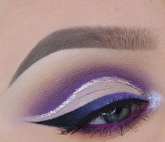 Trendy makeup tips eyeliner purple ideas Eye Makeup Tips, Makeup Inspo, Makeup Inspiration, Makeup Ideas, Hair Makeup, Eyeliner Ideas, Black Eyeliner, Maquillage Yeux Cut Crease, Hair