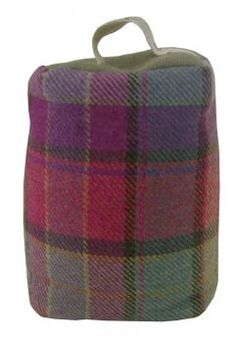 Doorstop Iona Raspberry - Made in UK19 x 43cmMain fabric: 100% Merino LambswoolBase fabric: 54% Viscose 28% Linen 18% PolyDried Wheat  LavenderDS120021Lead time: 1-2 weeks.