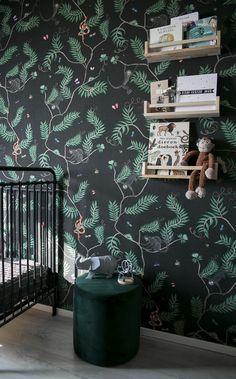 The baby room full of jungle wallpaper from Amanda – Babyroom Kids Wall Decor, Nursery Decor, Girl Room, Baby Room, Architecture Symbols, Jungle Room, Kidsroom, Kids Furniture, Baby Kids