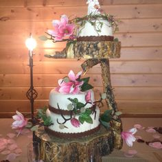 Not a fan of the cake but Love the wood to hold the cake.