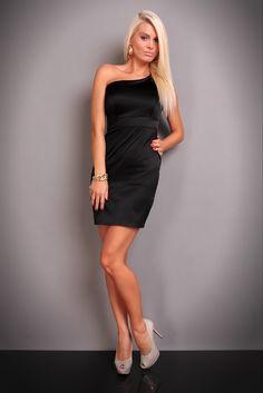 """Rochie de seara Ann Sexy Black - 155,00 lei - Imbraca de la ERRY.ro rochii de seara lungi, rochii de seara scurte, rochii de seara elegante scurte, rochii de seara negre,rochie de seara neagra din stocul online! http://www.erry.ro/rochie-ann-sexy-black-3.html Invaluieste in mister si finete si lasa-te purtata pe cele mai inalte culmi ale frumusetii!""""Orice femeie trebuie sa aiba in garderoba ei o rochie neagra""""!Ce model de rochie de seara vei alege? http://www.erry.ro/rochii/rochii-de-seara.html"""
