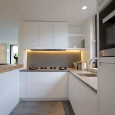 Keuken op maat gemaakt met Ceramistone aanrechtblad en PITT-Cooking.