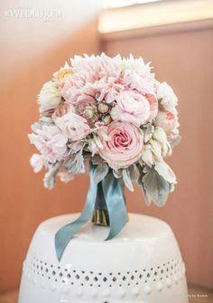 Soft pastel bouquet - vintage?