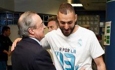 """คาริม เบนเซม่า / Karim Benzema เบนเซม่า ย้ายจาก โอลิมปิก ลียง มาสู่ เรอัล มาดริด ตั้งแต่ปี 2009 และถือเป็นตัวหลักของทีมมาโดยตลอดจนถึงปัจจุบัน แม้ก่อนหน้านี้จะมีเสียงเรียกร้องจากแฟนบอลให้ ราชันชุดขาว ซื้อกองหน้าเข้ามาเพิ่ม แต่ เปเรซ เชื่อว่าแค่ เบนเซม่า คนเดียวก็เอาอยู่ """"ผมเคยอ่านตามหน้าสื่อว่าเราควรเซ็นสัญญาคว้าตัวกองหน้าเข้ามาเพิ่ม แต่สิ่งที่ผมเห็นคือ เบนเซม่า คือกองหน้าที่เก่งที่สุดในโลก"""" Polo Ralph Lauren, Polo Shirt, Mens Tops, Shirts, Fashion, Moda, Polos, Fashion Styles, Polo Shirts"""