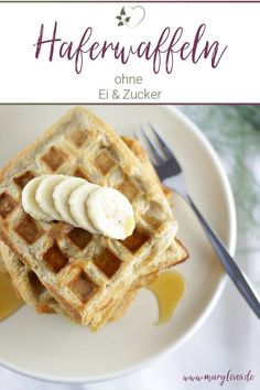 Healthy breakfast: vegan oat wafers with bananas - Mary Loves-Gesundes Frühstück: Vegane Haferwaffeln mit Bananen – Mary Loves Healthy breakfast – vegan oat waffles with bananas -… - Waffel Vegan, Breakfast Waffles, Banana Oats, Healthy Breakfast Recipes, Nutrition, Baby Food Recipes, Muffins, Easy Meals, Brunch
