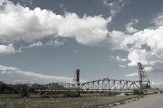 The Snowden Lift Bridge spans the Missouri River near Trenton, North Dakota. Here is some history of the bridge