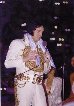 Elvis Presley In Concert May 22, 1977  Louisville, Kentucky