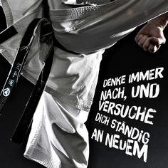 Gichin Funakoshi Denke immer nach und versuche dich ständig an Neuem Always think and devise ways to live the precepts of karate-do every day. tsune ni shinen kofu seyo #karate #karatedo #shotokan #kihon #kata #kumite #dan #meistergrad #meister #budo #budoka #kuroobi #blackbelt #scharzgurt #youtube Link in Bio!