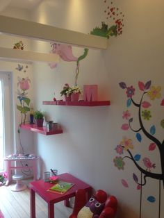 Dragons, fairies and princesses. Any little girls dream and now in this little girls room 💕 Little Girl Rooms, Little Girls, Wall Paintings, Girls Dream, Princesses, Fairies, Dragons, Wallpaper, Handmade