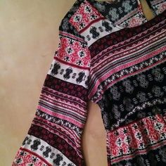 Rue 21 Boho Dress This dress has never been worn (NWOT)    Such an exquisite bohemian styled dress    3/4 length sleeves    Sleeves are tighter around bicep area & have a flare toward the end (elbow area)    Key hole sort of a rain drop shape in the back    Cringed around waist area with a string belt to adjust to your liking    Size large  Also selling this same style dress in black & white elephant print (Size Medium)  Love the item, but not the price? Please, make an offer! Let's find a…