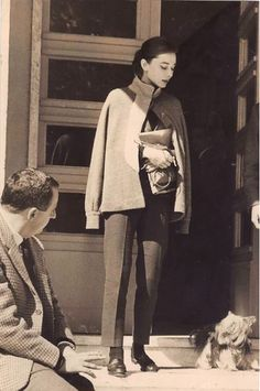 Audrey Hepburn during the filming of The Nun's Story, photographed by Pierluigi Praturlon at the gardens of the Cinecittà Studios in Rome, Italy, LOVE the pant length with the cape & loafers. Divas, Classic Hollywood, Old Hollywood, Audrey Hepburn Born, Audrey Hepburn Fashion, Head Band, Greta, Marlene Dietrich, Fair Lady