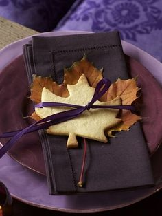 Lovely place setting for a Autumn party, or just to impress your family for dinner.