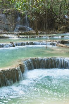 ✯ Pool and waterfall in the Tat Kuang Si waterfall system near Lua - Laos
