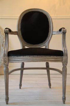 www.luberonantiquesgallery.com Dining Chairs, Antiques, Gallery, Furniture, Home Decor, Antiquities, Dining Chair, Antique, Roof Rack