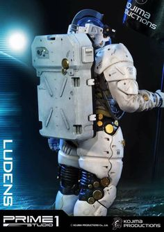 A few official photos of the upcoming Kojima Productions – Ludens Statue have been released by Prime 1 Studio. The statue of Ludens is based on the mysterious new Kojima Productions logo and mascot. We're still awaiting official details on the upcoming statue. We'll be sure to add more info, such as pricing, scale and any accessories as that info emerges. You can check out the new photos by reading on.