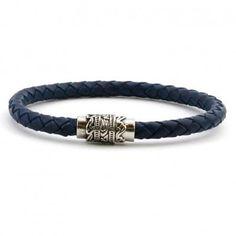 57d21a626181 Bonita  pulsera de  cuero trenzado azul oscuro de la marca  Viceroy . http