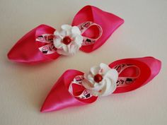 Set of 2 Cupcake and Icing Hairclips Design 3 by stayhomecupcake, $8.00