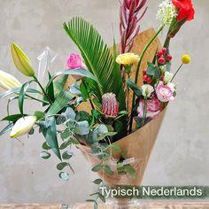 """Flowers and Powers op Instagram: """"🌼 Iedere bloem vertelt haar eigen verhaal. Een typisch Nederlands boeket. . Each flower tells it's own story. It's a typical Dutch…"""" Tango, Dutch, Flowers, Plants, Instagram, Dutch Language, Plant, Royal Icing Flowers, Flower"""