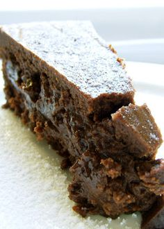 290 Calorie to-die-for flourless cake!  Get your chocolate on!