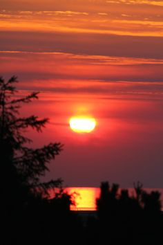 THE SUN AT ITS BESTSANKT-PETER-ORDING© VIMAPHOTO 250 mm - 1/320 Sek - F/8