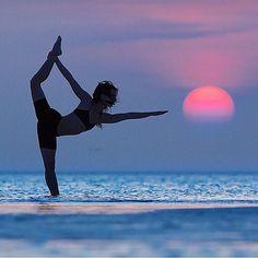 @kimhenry.dance via @yogachannel : @ericparephoto