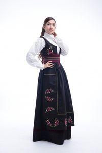 Festdrakt Kamilla til dame - barekjoler. Waist Skirt, High Waisted Skirt, Victorian, Skirts, Dresses, Fashion, High Waist Skirt, Gowns, Moda