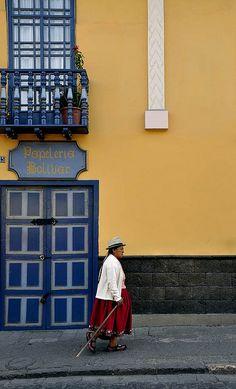Ecuador, Cuenca - Calle Bolivar