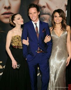 Aww! Marius and his girls :)