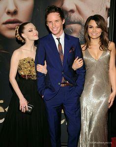 Aww! Marius and his girls :)