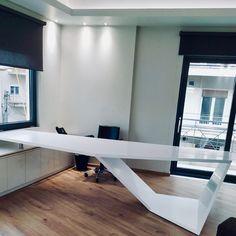 #officedesign #solidsurfaces #interiordesign #arcitecture #arcitecturelovers #karasoulassa #whiteoffice #PLH #karasoulassa Solid Surface, Desk, Furniture, Home Decor, Interiors, Desktop, Decoration Home, Room Decor, Writing Desk