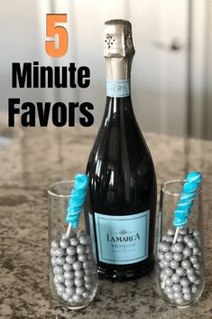 5 Minute Favors For A Baby Shower – Easy Favor Ideas Champagne Baby Shower Favors - Baby Shower Decor Baby Shower Snacks, Baby Shower Menu, Cute Baby Shower Ideas, Baby Shower Prizes, Baby Shower Desserts, Simple Baby Shower, Baby Shower Party Favors, Baby Shower Winter, Baby Shower Activities