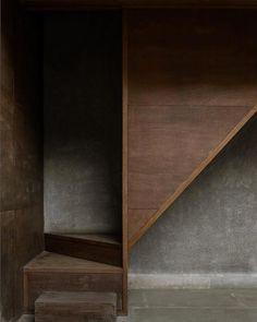 a muted palette - image jeroen verrecht Interior Stairs, Interior And Exterior, Interior Design, Brown Interior, Detail Architecture, Interior Architecture, Asian Architecture, Estudio Mumbai, Wabi Sabi