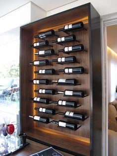 As garrafas de vinho merecem um espaço todo especial! #wine #vinho #decoration…
