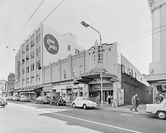 "Plaza Theatre on Manners ST. Screening ""Valley of the Dolls"", photographed by K E Niven of Wellington Description from negative envelope and studi. Wellington New Zealand, New Zealand Landscape, Studio Cards, Valley Of The Dolls, Auckland, Old Photos, 1970s, Past, Cinema"
