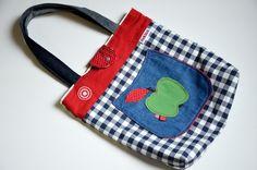 Schultertaschen - buntige große Wende-Schultertasche 'Apfelglück' - ein Designerstück von farbglueck bei DaWanda