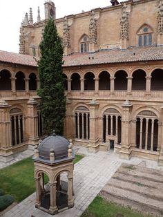 Claustro+de+los+Reyes+in+the+Convento+de+San+Esteban,+Salamanca