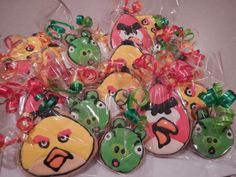 angry bird sugar cookie favors by Mercibeaucookies.blogspot.com