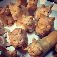 hand-carved cats from http://chimajiya.com/?pid=68575261