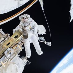 Its the final countdown. Today is the last day to get in your astronaut application! Tag your friends who should #BeAnAstronaut... Search astronaut on USA Jobs to apply.  The image above shows @stationcdrkelly on a spacewalk. Just one of the many reasons to be an astronaut - that office view.  #astronaut #dreamjob #outofthisworld #NASA #space #BeAnAstronaut by iss