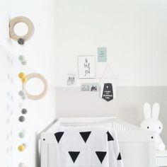 Pintar las paredes del dormitorio de los niños, es la nueva tendencia en decoración infantil.