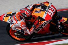 MotoGP: Jorge Lorenzo crash out, Marc Marquez wins in SanMarinoGP / SanMarinoGPは、天候によって思わぬ展開となり、最終的にRepsol HondaのMarc Marquezが勝利した。
