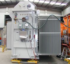 ONAN naturally cooled through oil (3586kVA, 33000:84.5-84.5V, ONAN, Oil Cooled Rectifier Transformer)