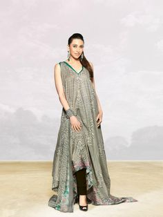 Crescent Lawn by Faraz Manan Bridal Mehndi Dresses, Indian Couture, Dress Suits, Indian Outfits, Party Wear, Beautiful Outfits, Fashion Dresses, Glamour, Lawn