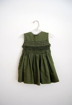 vintage baby girl dress. etsy.