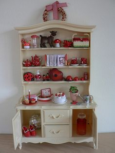 Vintage Sindy China Cabinet.  Site has a TON of great pic ideas!!!